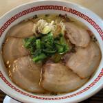 べらしお - 料理写真:炙りちゃーしゅーめん(塩)⁽⁽ૢ(⁎❝ົཽω❝ົཽ⁎)✧¥750円