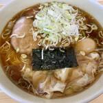 田無 大勝軒 - 料理写真:ワンタンメン小(ネギ+煮卵)