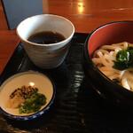 桃太郎茶屋 - お出汁もイリコが香り美味しいです