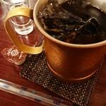 オリンピア - セットのコーヒー。 コーヒーはアイス派です。