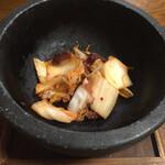 Ajidokorosantomi - 石焼タコキムチ900円