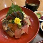 魚國 - 海鮮丼