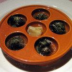 バニーズ カフェ - エスカルゴのガーリックバター