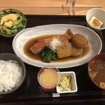 washokubiyoriosaketojimbouchou - 金目鯛の煮つけ御前@1,300円