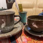 臥牛カフェ - 白鷺の器で珈琲と煎茶