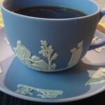 さくらリビング - 三杯目珈琲、碗皿は「ウェッジウッド」