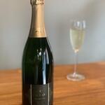 スペインバルFarol - 九州限定Farolの白ワイン LINE会員価格グラス700円 ボトル4000円
