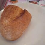トキオプラージュ・ルナティック  - ランチタイムはパンの無料サービスあり