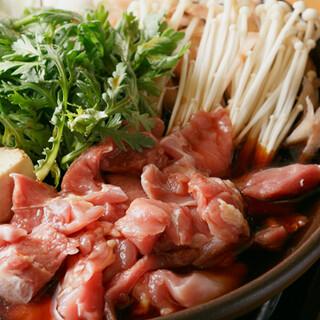 当店イチ押しは「極上しゃもすき鍋」と「特上鶏だんご鍋」!