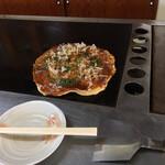 とん平 - 料理写真:お好み焼きですッ!