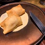 134886967 - ✔︎ 「極」卵のウフマヨ クレープ包み                       「ウフマヨ」とは、ウフ・マヨネーズの略で、ゆで卵にマヨネーズをかけたシンプルな料理。                       フランスでは定番の前菜なんだそう。                       お店イチオシの「極」卵と相性抜群!