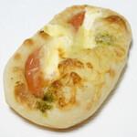 あすみ ルッツェルン - バジルトマト