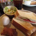 オレンジガーデン - ハムトーストサンドのサービスセット