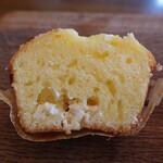 ベイカーズワークス - レモンとクリームチーズのマフィン(280円税別)の断面