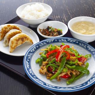 本格中華&恵比寿餃子をランチでカジュアルに堪能♪