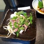 海鮮居酒屋 龍馬屋 - 鰹のたたき   これを食うために四国にきているようなものだ
