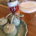 スタンドバインミー - ビールと卓上調味料