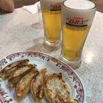 餃子の王将 - ビール450円だけど2敗目からは400円とお安くなります。