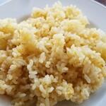 ニクータ - ご飯が色つき??? これもコストカットの結果かなぁ? ここの白いご飯が好きだったのに悲しい、、、(涙)