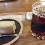 134931191 - 珈琲とチーズケーキのセットにすると200円安い!