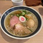 まるぎん商店 - 料理写真:煮干しそば800円+味玉100円