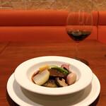 CELLIER - 牛ホホ肉の赤ワイン煮込みにはピノノワール