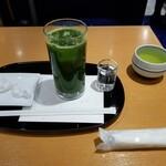 京・茶房 TSURU - グリーンティーセット。