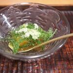 京天神 野口 - タコの子、海ぶどう、フィンガーライムで香りつけ。