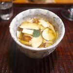 京天神 野口 - そのマツタケたっぷりのスープ。香りがもうマツタケだらけ♬