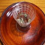 京天神 野口 - 最後は水羊羹に黒蜜、食感にじゅんさい。そして抹茶を頂く。