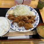 134950733 - 大盛りから揚げ定食780円。                       ご飯は(小・普通・大盛り)から選べます。