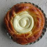 小谷瀬パン工房 - 料理写真:カマンベールチーズ
