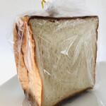 134957093 - 大豆戸食パン ハーフ