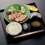 和食 花の茶屋 - カツマグロ膳 2300円(税込)
