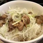 麺や風虎 - セットのチャーシュー丼