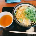 香の川製麺 - 料理写真:左があったかいうどん出汁