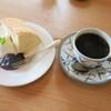 カフェナターシャ - 料理写真:シフォンとコーヒーのケーキセット