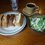 タロ コーヒー - チキンカツと玉子 チーズのサンドイッチ
