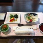 ホテル石庭 - 左:子持ちニシン 右:茹で豚の酢味噌掛け
