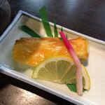 ホテル石庭 - 甘鯛のウニ焼き:これはちょっと身が固くなってしまっていましたが味は美味しい