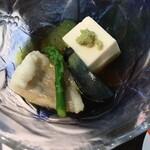 ホテル石庭 - 冷やし鉢アップ!この豆腐、胡麻豆腐?大好きなヤツ!