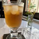 楊貴妃cafe Chinois - セロリ風味が芳しいアイス漢方茶(^^