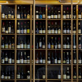 世界のナチュラルワインを、その日の一皿に合うペアリングで。