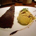 ラ・パウザ 小麦の家 - ショコラとアイスのデザート