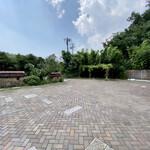 135029974 - 石畳の駐車場