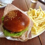 パスタイム - 洋光台ハンバーガー+ポテト+ドリンク