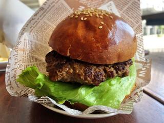 パスタイム - 洋光台ハンバーガー、単品価格は驚きの490円(税込)