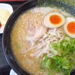 ゆにろーず - 料理写真:にんたま醤油ラーメン(大盛)