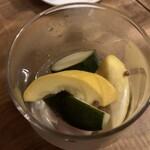 鉄鍋ビストロ&ワイン デリカージュ - うずらの卵と野菜のピクルス