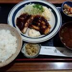 宮田オゼキ - 料理写真:チキンカツ定食